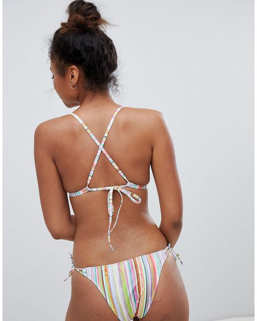 Slip bikini a righe a vita bassa con laccetti laterali di Free Society in Multicolor