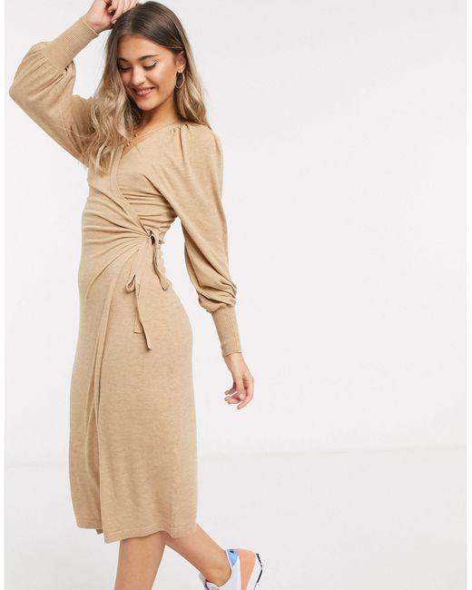 Vestito midi a portafoglio cammello di ASOS in Natural