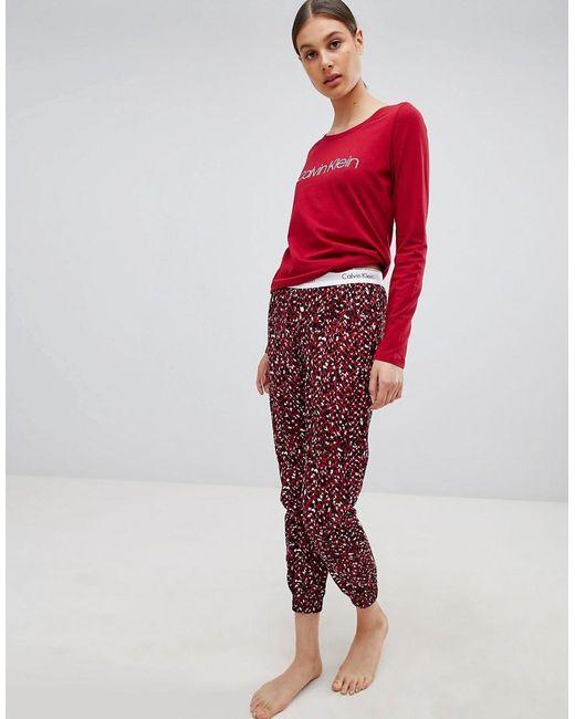 Calvin Klein - Red Set de regalo con pijama de manga larga con logo de ... 65bf02d02a7