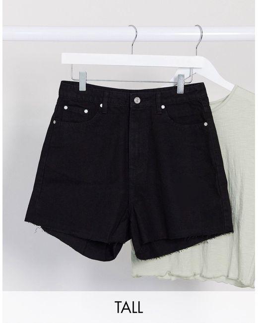 Mom shorts con fondo grezzo neri di Missguided in Black