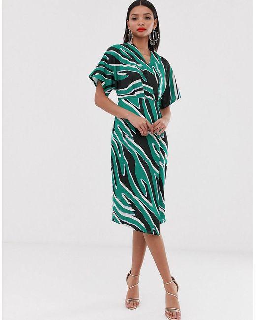 Vestido midi con diseño cruzado estilo kimono con estampado variado Closet de color Green