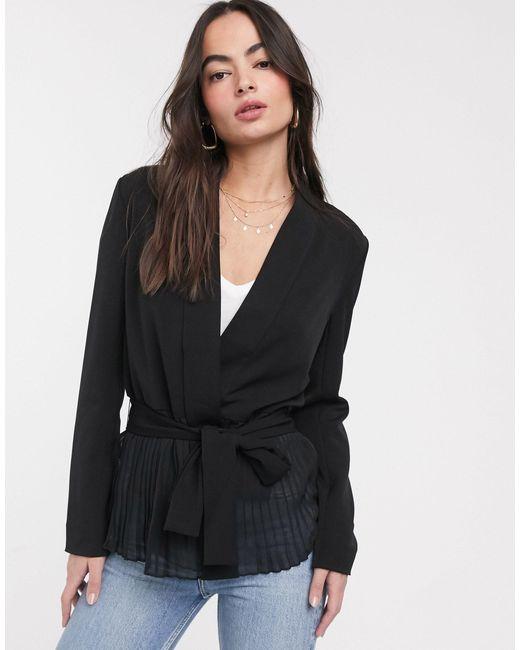 Chaqueta drapeada con cinturón angeline French Connection de color Black