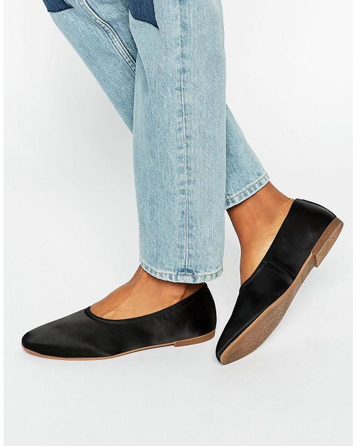 Vagabond Vagabond Shoe: Vagabond Ayden Flat Satin Shoes In Black