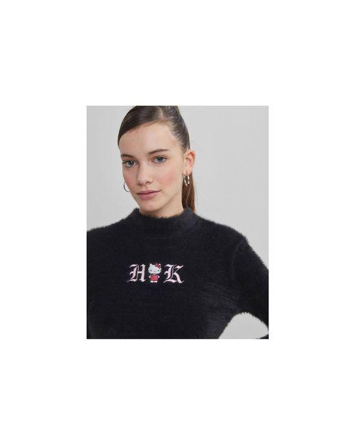 Пушистый Укороченный Джемпер Черного Цвета X Hello Kitty-черный Bershka, цвет: Black