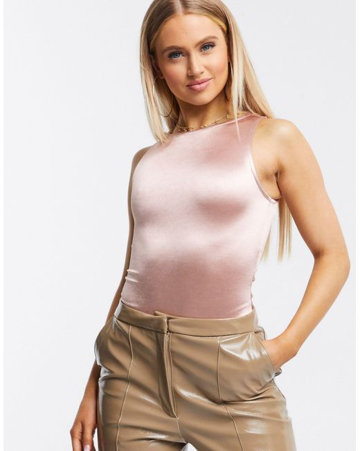 Bodysuit canotta con scollo a vogatore di ASOS in Pink
