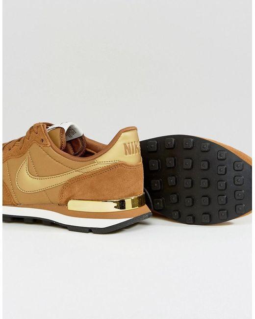 Nike Formateurs Internationalistes Champignons Avec Garniture Métallique - Marron a7VsH