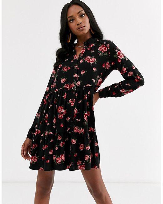 Robe chemise à fleurs Stradivarius en coloris Black