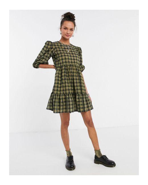 Vestito grembiule corto verde a quadri di New Look in Green