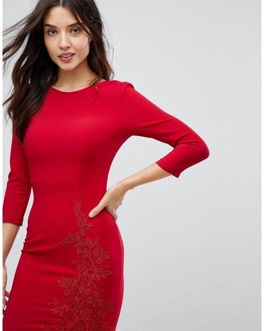 Vestito longuette a maniche lunghe con spacco laterale e applicazione di Little Mistress in Red