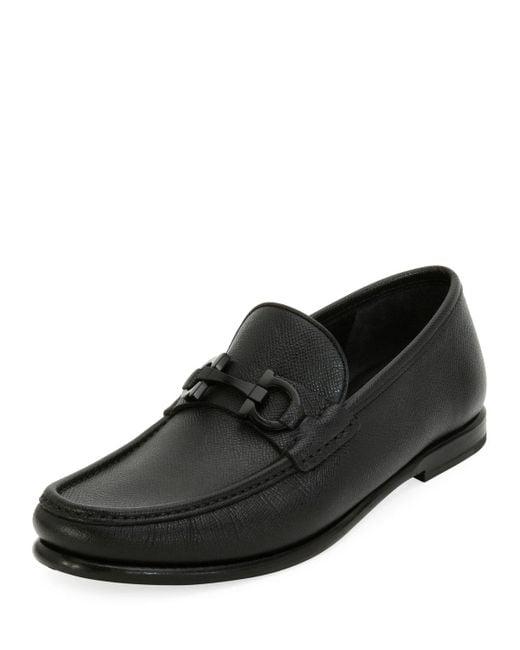 Ferragamo - Black Men's Textured Leather Gancini Moccasin Loafer for Men - Lyst