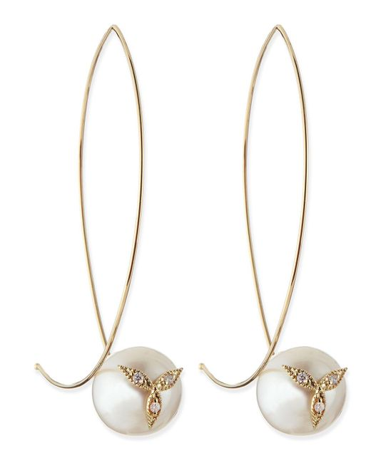 Mizuki - Metallic 14k Gold Diamond Flower On Pearl Earrings - Lyst