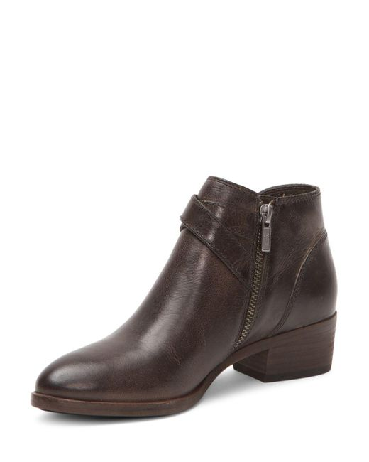 a882452a588 Brown Women's Ray Almond Toe Leather Western Booties