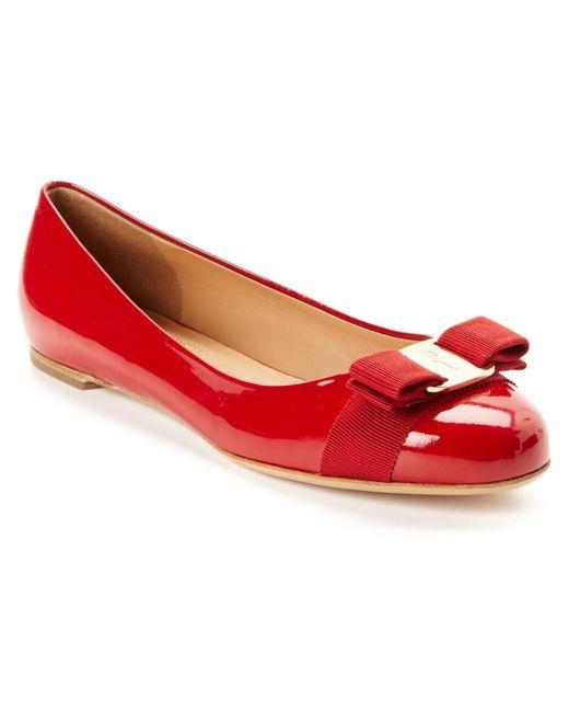 Ferragamo | Red Varina Patent Leather Ballerinas | Lyst