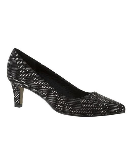 Easy Street - Black Women's Pointe Pump - Lyst