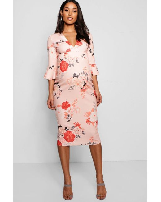 b41a8a978ef8 Boohoo - Pink Maternity Rose Floral Plunge Neck Midi Dress - Lyst ...