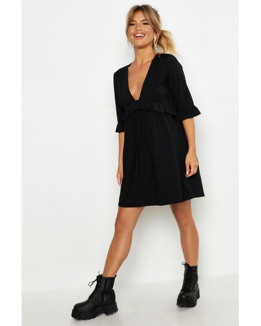 Robe À Smocks Côtelée À Volants Boohoo en coloris Black