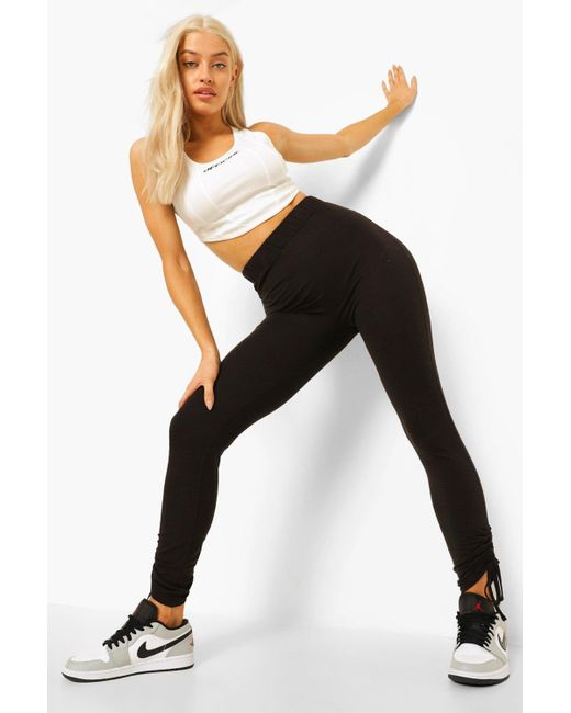 Leggings Con Bajo Fruncido Y Cordón Boohoo de color Black