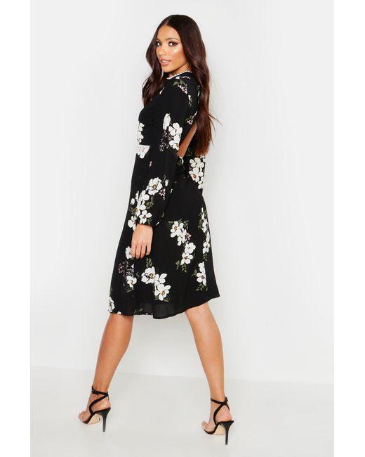 bb5cf45af289 ... Boohoo - Black Woven Floral Crochet Waist Midi Dress - Lyst