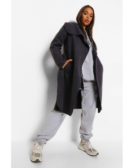 Abrigo Con Cuello Grande Y Cinturón Boohoo de color Gray