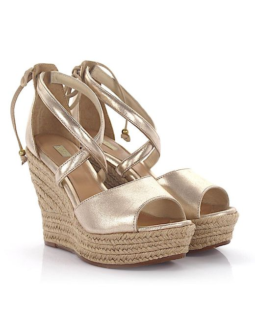 Ugg - Metallic Sandals Bast Calfskin Smooth Leather Finished Gold - Lyst