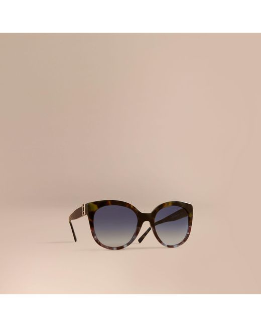 Burberry - Buckle Detail Cat-eye Frame Sunglasses Apple Green - Lyst
