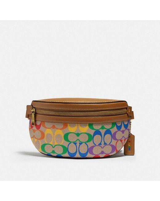 Bethany Belt Bag In Rainbow Signature Canvas di COACH in Multicolor
