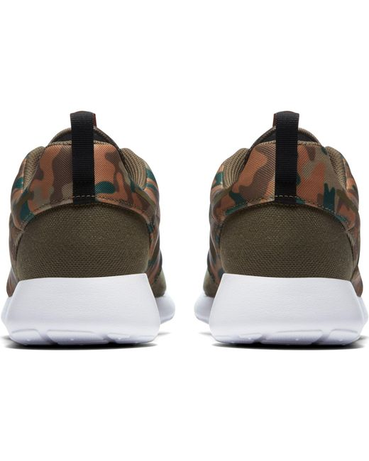 2596813efa328 ... Nike - Green Roshe One Se Camo Shoes for Men - Lyst ...