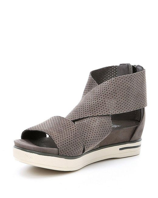 Eileen Fisher Sport3 Perforated Sandals veC9V