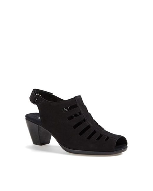 Munro | Black 'Abby' Slingback Bootie | Lyst