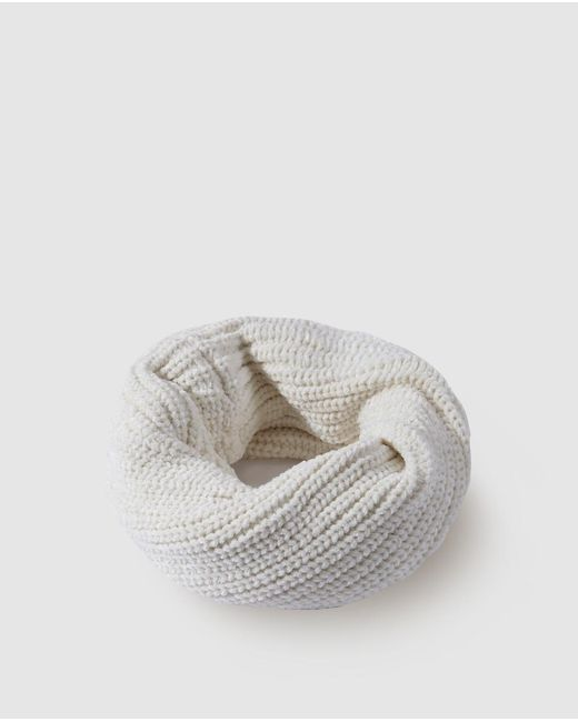 El Corte Inglés White Knitted Cowl