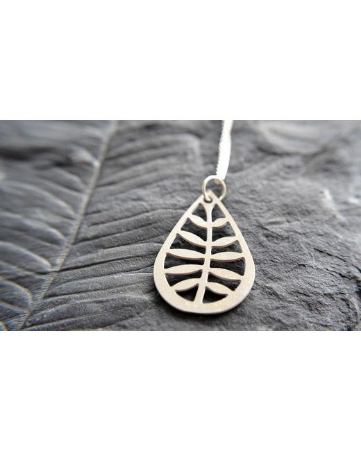 Etsy Metallic Leafy Pendant In Stainless Steel