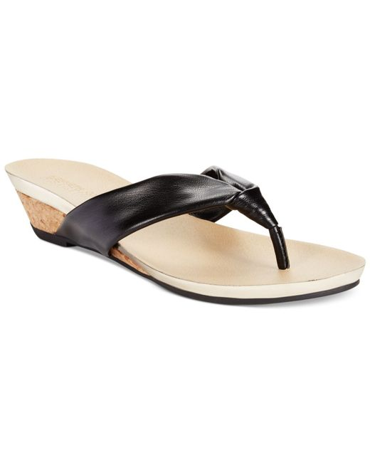 Kenneth Cole Reaction Women S Great Date Thong Sandals In