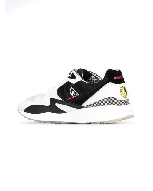 Wink Surfer in The Sneakers R800 from Le Coq Sportif