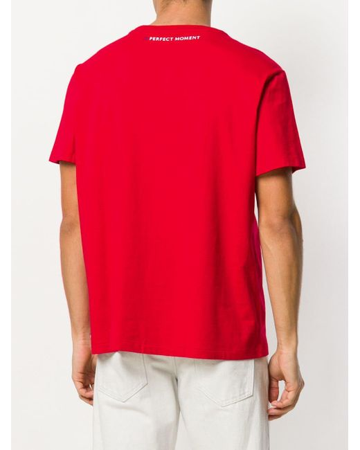 T-shirt con motivo stampato 'Surf' di Perfect Moment in Red da Uomo