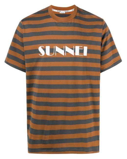 メンズ Sunnei ロゴ ストライプ Tシャツ Brown