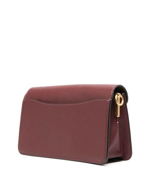 Sac porté épaule grainé à plaque logo COACH en coloris Red