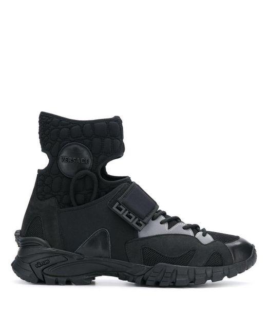 Versace Sneakers mit Cut-Out in Black für Herren