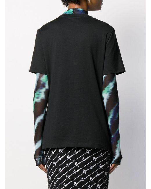 Camiseta con logo bordado Versace de color Black