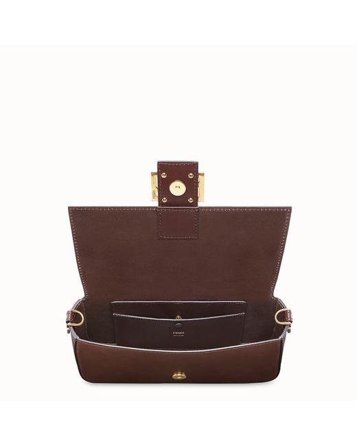 prix de détail aspect esthétique achats Women's Brown Baguette With Basket Case