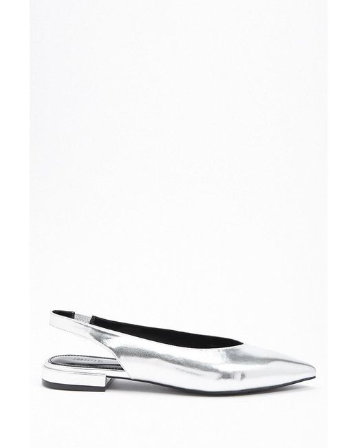 Forever 21 - Metallic Pointed Faux Leather Flats - Lyst