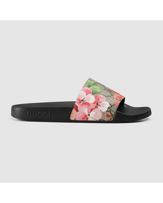 Gucci Blooms Supreme Canvas Slides in Pink - Save 7% | Lyst