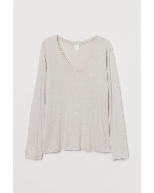 H&M Natural Jerseyshirt mit V-Ausschnitt
