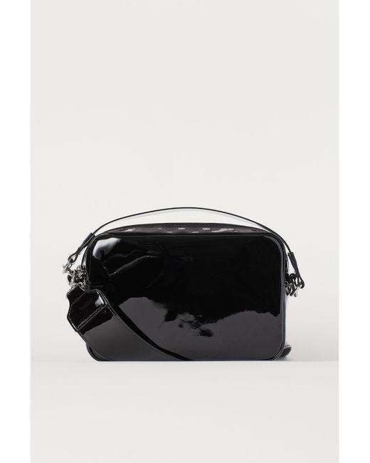H&M Black Lackhandtasche