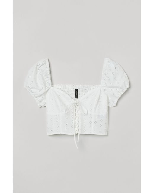 H&M White Cropped Bluse