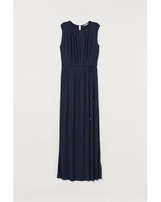 Robe longue plissée H&M en coloris Blue