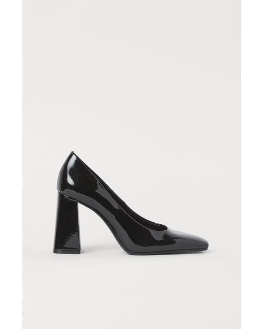 H&M Black Lackpumps