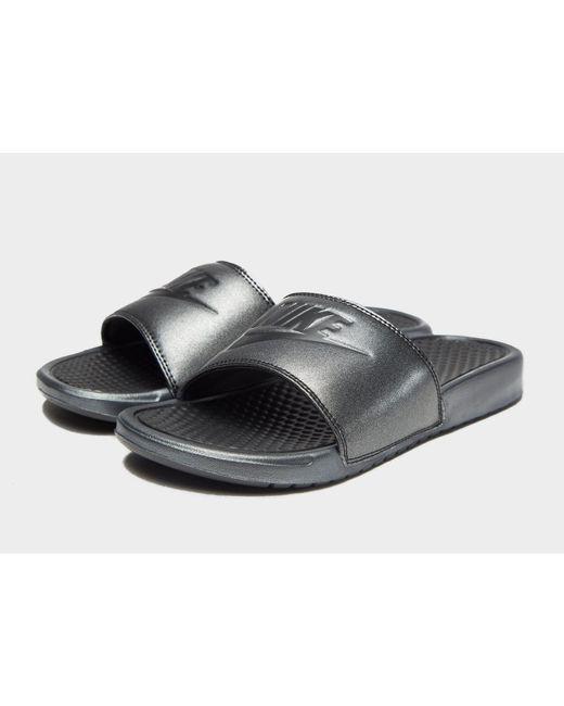 bbf8d486d6169 Nike Benassi Slides in Black - Save 4% - Lyst