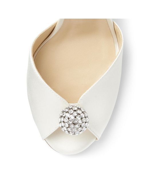 Sandales en satin à ornements Sacora 100 Jimmy Choo en coloris White