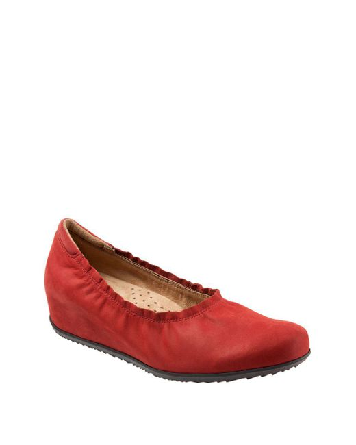 Softwalk® - Red Wish Nubuck Leather Wedge Pumps - Lyst
