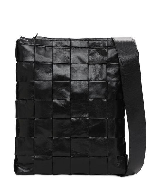 メンズ Bottega Veneta Intrecciato レザークロスボディバッグ Black